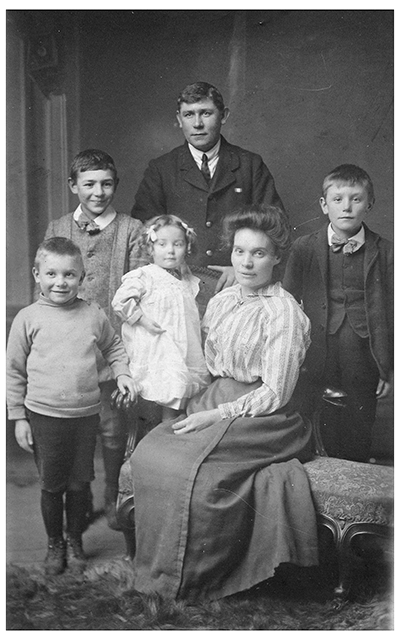 Gertrude Taylor's story - her family portrait